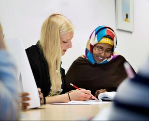 Vluchteling volgt een inburgeringscursus