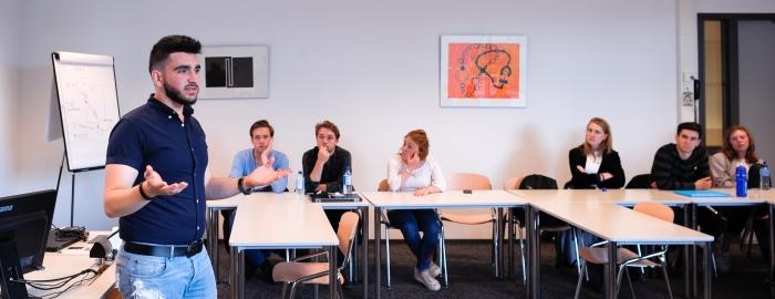 Gastles door VluchtelingenWerk Zuidwest-Nederland op de Erasmus Universiteit