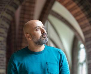 Journalist en columnist Hazem Darwiesh blikt terug op zijn veelbewogen en verborgen leven van voor zijn coming-out